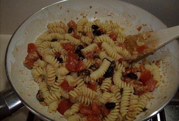 Těstoviny alla mediterranea