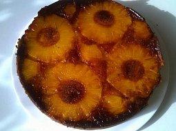 Ananasový koláč naruby