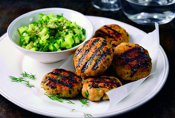 Krůtí bochánky s okurkovou salsou